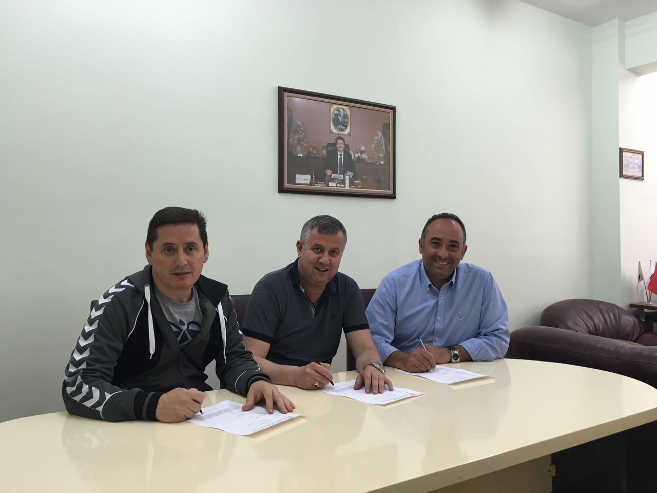Osmangazi Belediyesporda Hentbol'e Ayar Verildi.